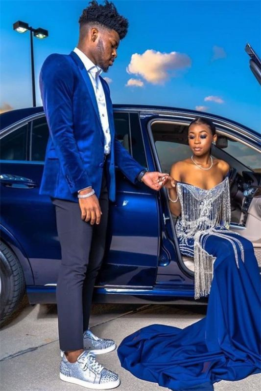 Royal Blue Velvet Prom Outfits Online   Chic Peaked Laple Men's Suit with Two Pieces