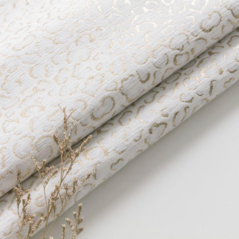 Stylish Velvet Lapel Double Breasted Prom Suit | Belt Leopard Black Jacquard Men's Suit for Wedding