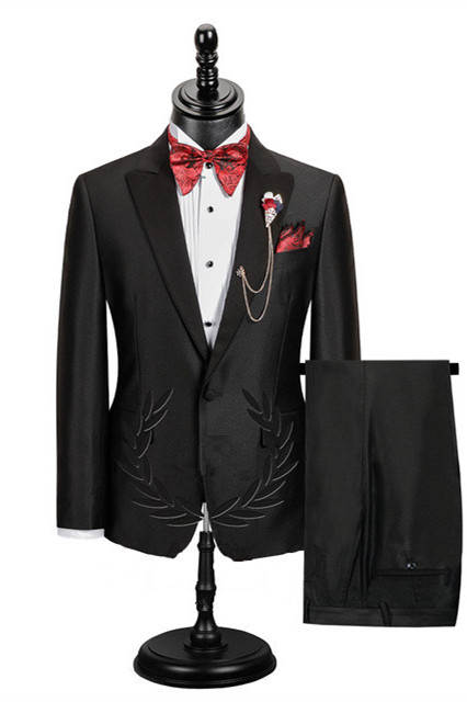Edgar Fashion Black Peaked Lapel Best Fitted Men Suit for Prom