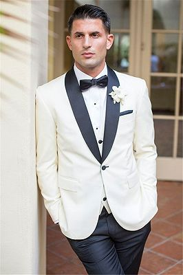 Custom Design White Groomsmen Suits | Bespoke Three Pieces Wedding Tuxedos_1