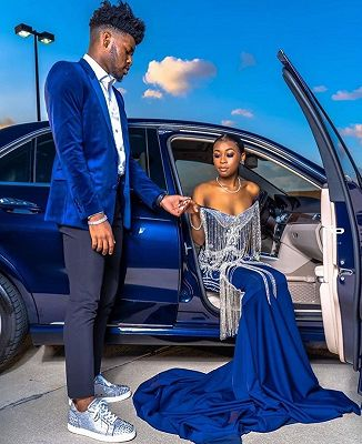 Royal Blue Velvet Prom Outfits Online   Chic Peaked Laple Men's Suit with Two Pieces_2