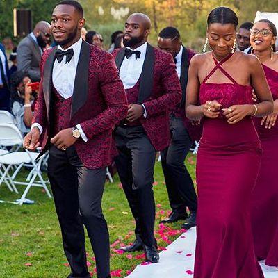 New Arrival Stylish Red Jacquard Three-Piece Shawl Lapel Wedding Groomsmen Suits Online_2
