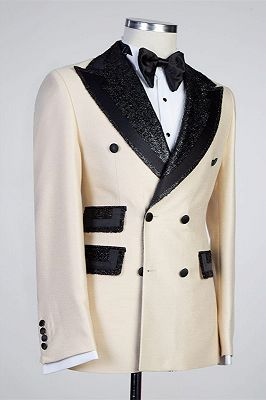 Kristopher Stylish Peaked Lapel Double Breasted Bespoke Men Suits_2