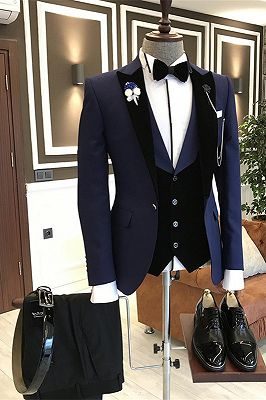 Karter Dark Navy Fashion Peaked Lapel Men Suits with Velvet Lapel